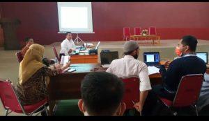 (Suasana rapat dan finalisasi proposal guna mengikuti PKKM 2021)