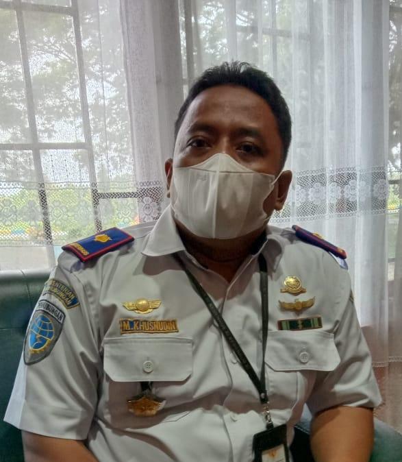 (Ketgam: M Khusnudin, Kepala Bandara Sugimanuru)